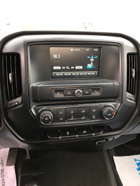 Interior features 2013 Chevy Malibu